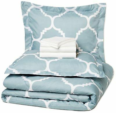 AmazonBasics 7-Piece Bed-In-A-Bag - Full/Queen, Dusty Blue T